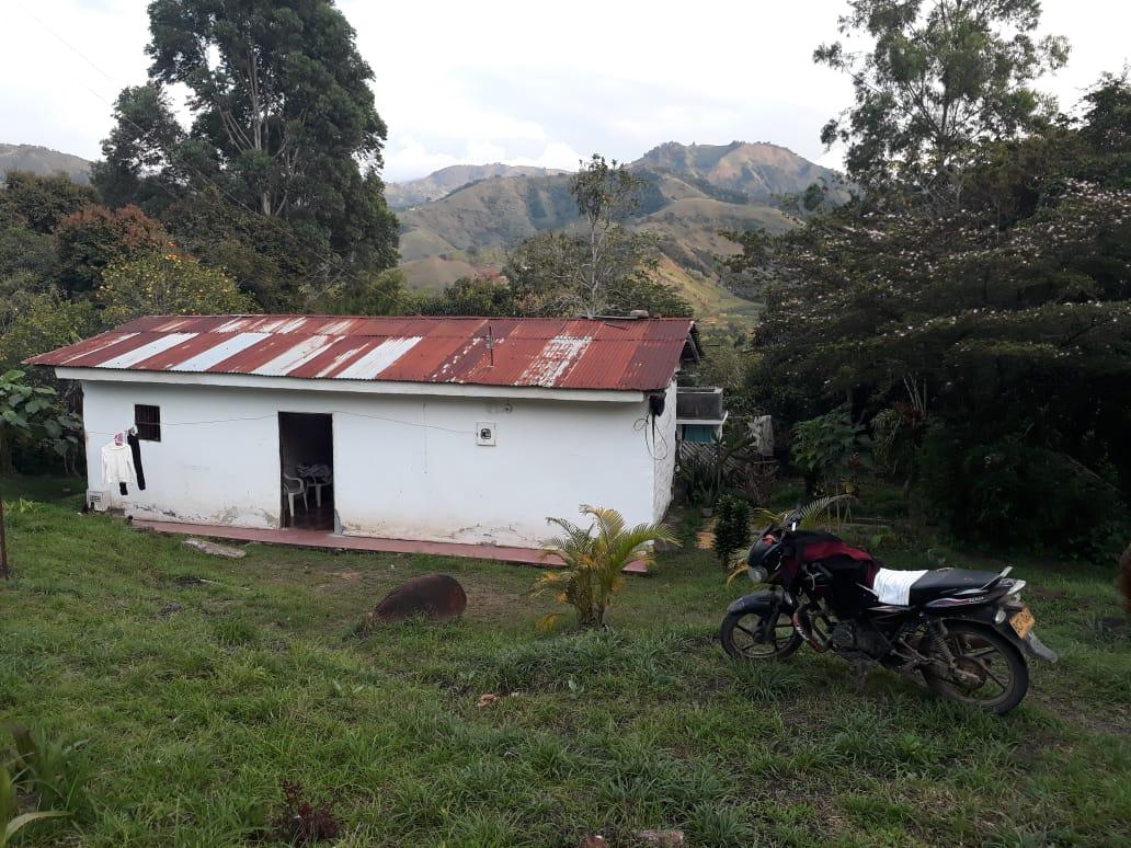 Finca, En San Antonio Del Pescado, Garzon-Huila (640-99398)