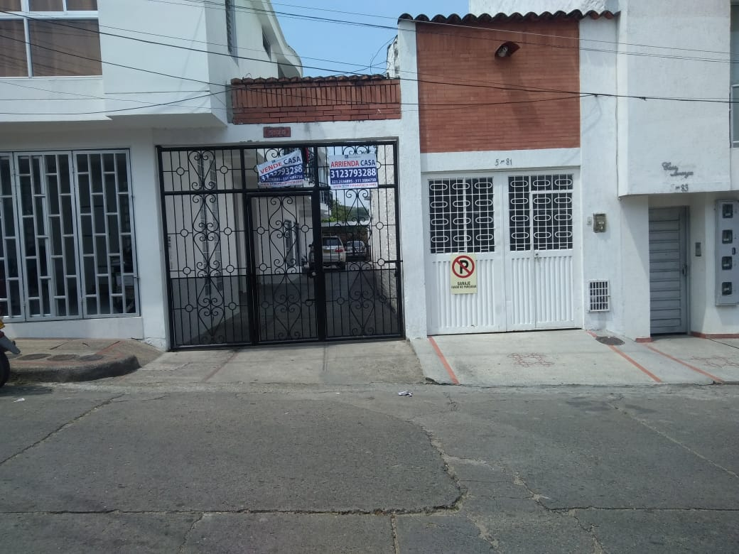 Casa De Dos Plantas, En El Centro, Garzón-Huila (640-99414)